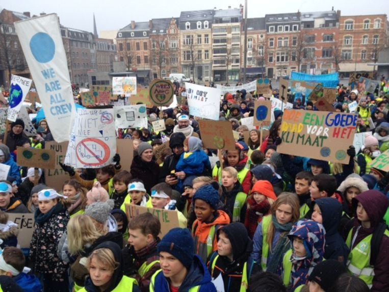 De actie op het Ladeuzeplein in Leuven. Beeld BELGAONTHESPOT
