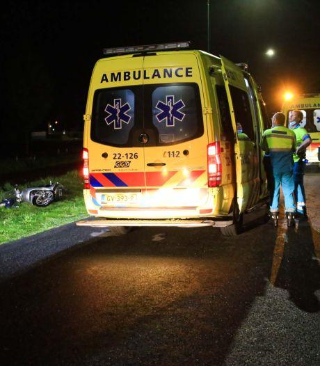 Scooterrijder zwaargewond bij ongeluk Beek en Donk, met traumahelikopter naar ziekenhuis