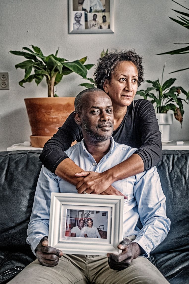 Ousmane met zijn nieuwe partner Makemu. 'Ik voel geen haat, maar Reuzegom vergeven kan ik niet.' Beeld Tim Dirven