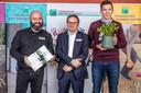 """De Meander uit Dilsen-Stokkem voor het project """"Een uitleeftuin voor jongeren met een mentale en/of motorische beperking"""". Zij ontvingen maar liefst 12.000 euro steun."""