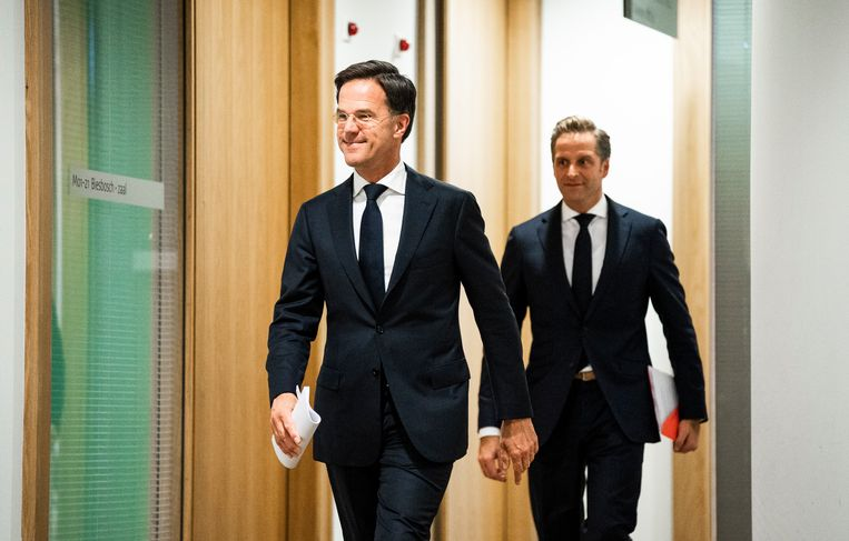 Premier Mark Rutte en minister Hugo de Jonge van Volksgezondheid, Welzijn en Sport.  Beeld Freek van den Bergh / de Volkskrant