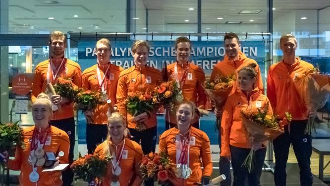 Amersfoort eert zes paralympische zwemsterren met onderscheiding: 'We zijn trots op hen'