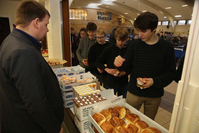 De leerlingen konden kiezen uit heel wat lekkers voor het ontbijt.