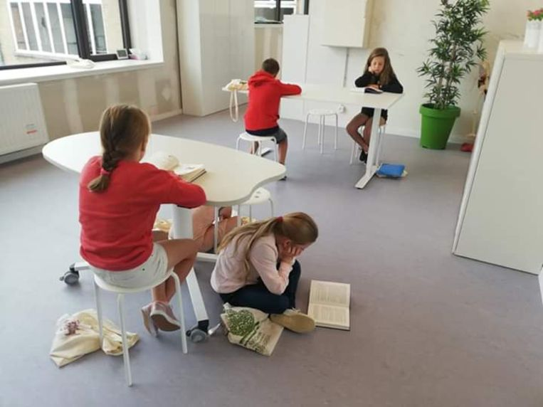 De leerlingen hebben hun leerproces zelf  in handen, waardoor ze een grotere betrokkenheid en motivatie tonen.