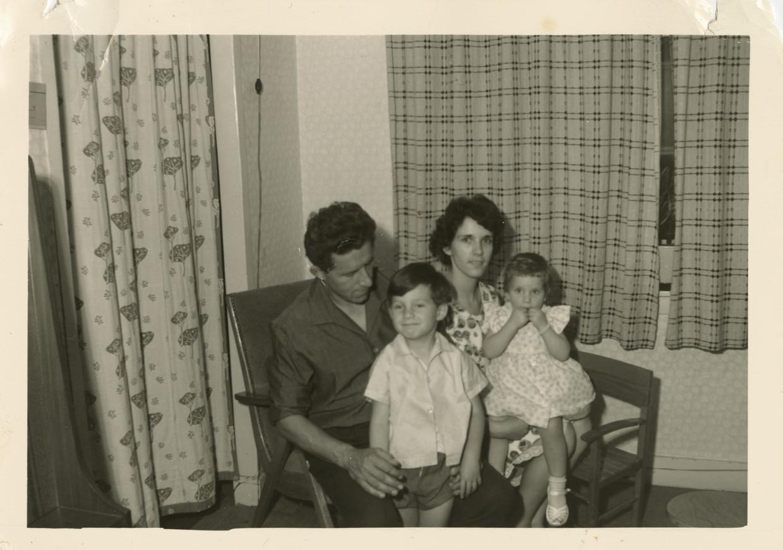 Jan, Frénk, Erica en Désirée van der Linden. Beeld Prive-archief Frénk van der Linden
