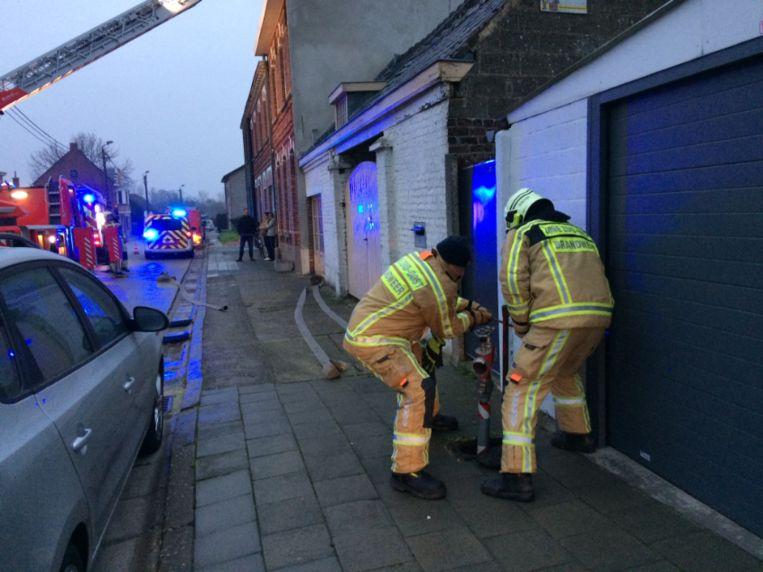 De brandweer kon de brand tijdig bedwingen.