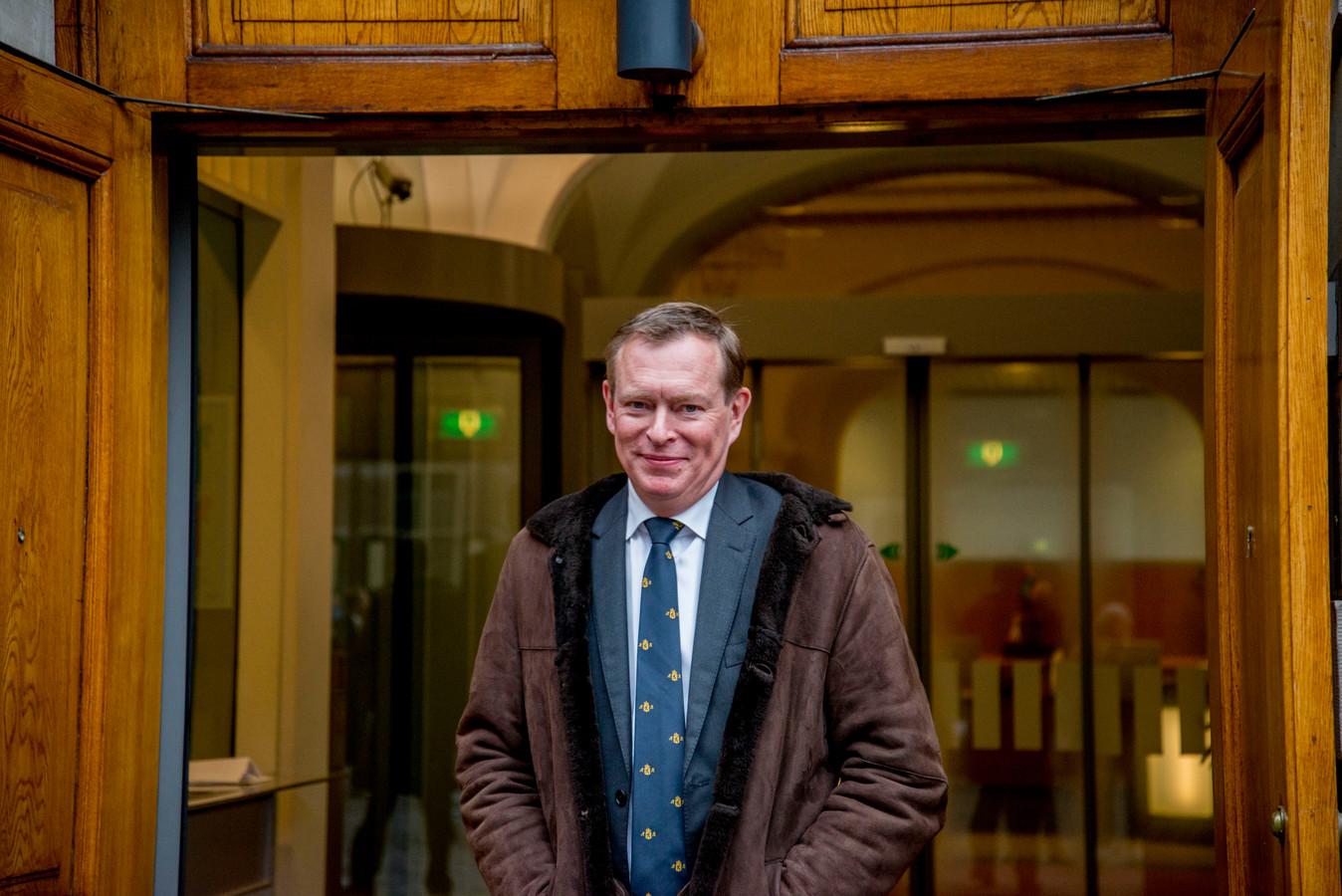 DEN HAAG - Minister Bruno Bruins voor Medische Zorg (VVD) bij aankomst op het Binnenhof voor de eerste ministerraad van het jaar.  copyrhjt julia brabander