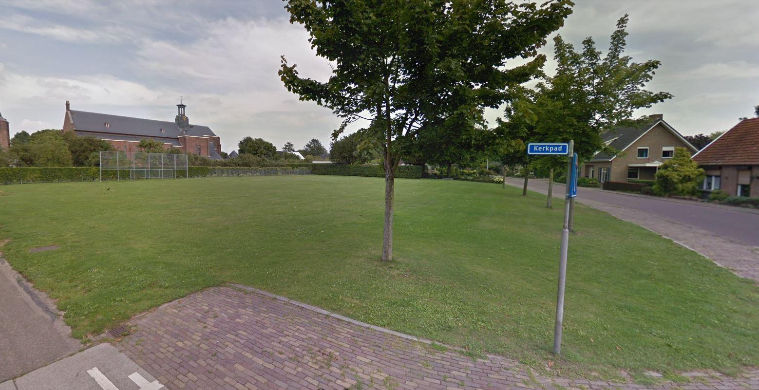 Op de hoek van het Kerkpad en de Leegstraat komen vijf woningen.