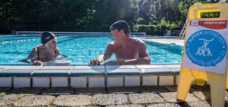 Dag niet gezwommen is een dag niet gelachen: Truus (88) trekt nog elke dag baantjes (en wil een voorbeeld zijn)