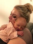 Sofie en haar dochtertje Ellis.