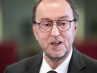 Jan Lonink neemt na 18 jaar afscheid als burgemeester van Terneuzen, Brabander Erik Van Merrienboer (55) volgt hem op