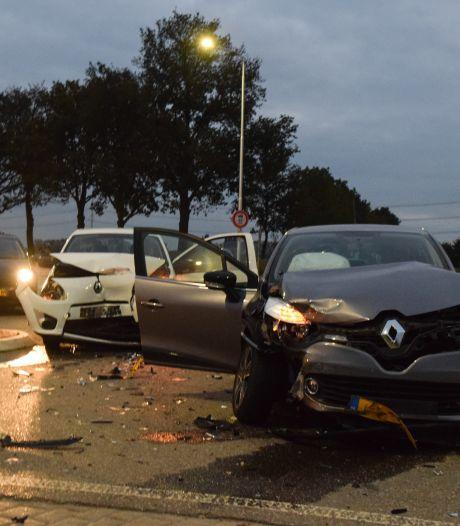 Opnieuw aanrijding op beruchte kruising in Terborg: twee auto's in de kreukels