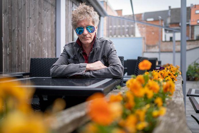 Wimmeke Punk heeft wel zin in een Tripel Karmeliet op een terrasje.