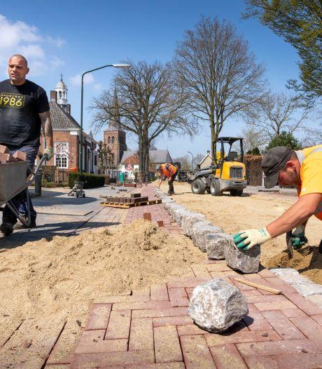 Onbereikbare kapsalon 't Smidje door werk aan Helvoirtse Torenstraat: 'Dit is nog nooit voorgekomen'