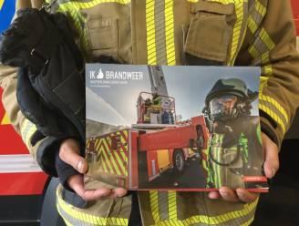 Deur-aan-deurverkoop geschrapt door corona: brandweerkalender is dit keer gratis en wordt overal gebust