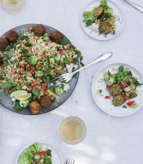 Wat Eten We Vandaag: Tabouleh met bloemkool en falafel