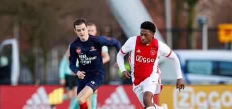 Jong Ajax en Helmond Sport in doelpuntrijk duel in evenwicht
