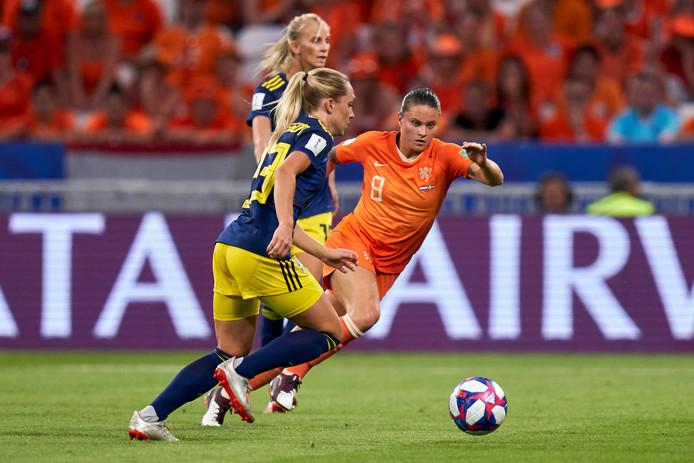 Sherida Spitse tijdens Nederland-Zweden.