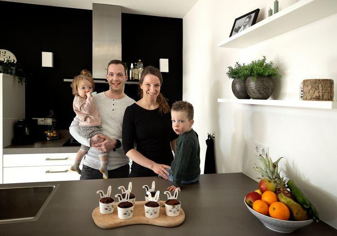 Verpleegkundige Miriam van den Eijnden bouwde samen met haar man de app Happje, voor baby's van 4 maanden tot 1 jaar.