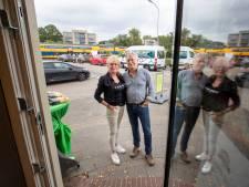 Met het sluiten van de overweg valt na 97 jaar het doek voor Rien en Lisettes winkel: 'We hadden de 100 graag volgemaakt'