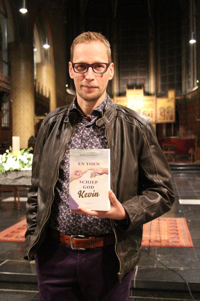 Het boek van auteur Bart Debbaut zal binnenkort op de planken nagespeeld worden.