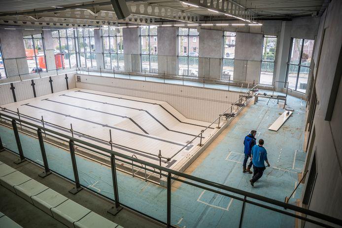 Het wedstrijdbad van het nieuwe zwemcomplex op Valkenhuizen. Er is daarnaast ook nog een doelgroepenbad.