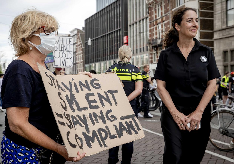 Burgemeester Femke Halsema op Tweede Pinksterdag tijdens het protest op de Dam tegen politiegeweld tegen zwarten in de VS en de EU.  Beeld ANP