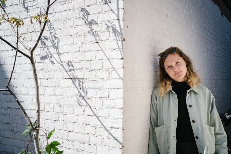 Filmmaker en curator Eva van Tongeren. Beeld Wouter Van Vooren