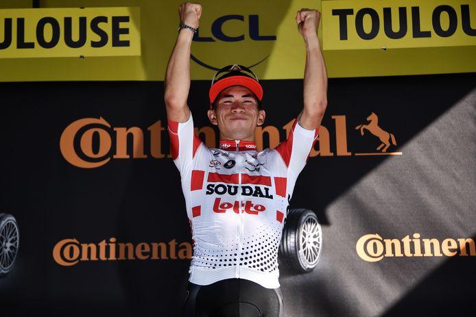 Caleb Ewan wint voor het eerst een etappe in de Tour de France.