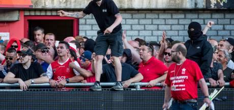 80 MVV-fans teruggestuurd naar Maastricht, ME deelt klappen uit