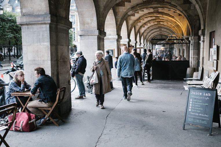 Malkovich, flanerend door Parijs: