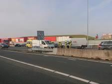 Rijbaan A12 richting Arnhem weer open nadat busje bij Bennekom is geborgen