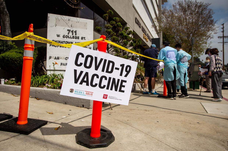 Een vaccinatiecentrum in Los Angeles Beeld MediaNews Group via Getty Images
