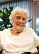 """Louisa van Roessel, sinds deze week 94. ,We hadden niks en altijd lol."""""""