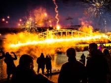 Vitessefans zetten brug in vuur en vlam in aanloop naar bekerfinale: 'Maak ons trots'