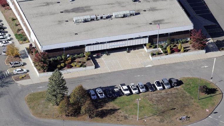 Luchtfoto van de Sandy Hook-basisschool in Connecticut (archiefbeeld). Beeld AP