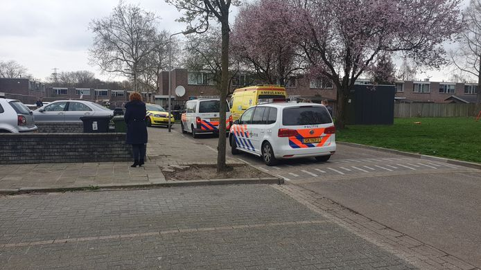 In Tolhuis 75e straat in Nijmegen is een jongetje zwaargewond geraakt.