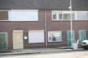 Camera's geplaatst aan Amethistdijk in Roosendaal. De beschoten woning van de broer van Jaouad B. werd door de burgemeester gesloten.