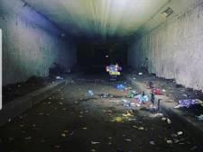 Politie stopt illegaal feest met 150 mensen onder viaduct in Naarden