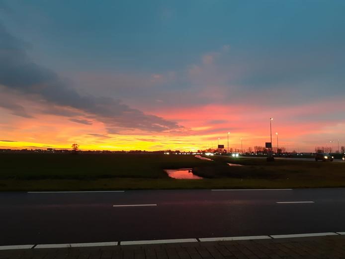 Foto van de ochtendlucht op donderdag 14 november, tussen Harmelen en De Meern