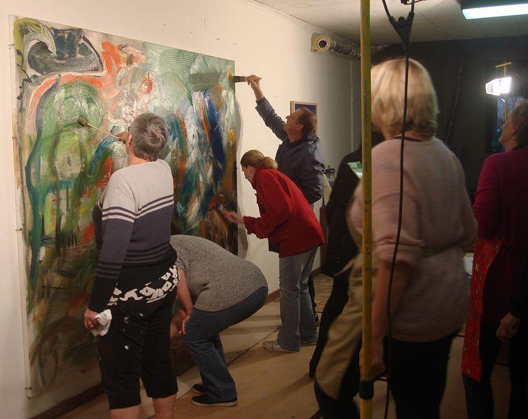 De schilder van Open Kring maakten vooraf samen nog enkele indrukwekkende werken.