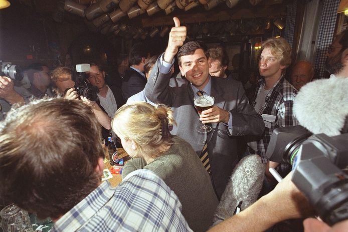 Op het einde van de jaren 90 kan het Vlaams Blok zelfs rekenen op de stem van meer dan 600.000 Vlamingen. De verkiezingsoverwinning in 1999 wordt - hoe kan het ook anders? - in De Leeuw van Vlaanderen gevierd.