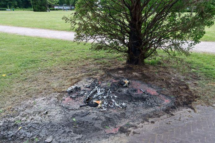 De vernielingen werden aangericht in het Volkspark