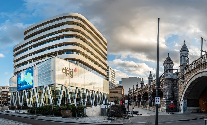 Het gebouw van DPG Media in Antwerpen. Beeld © Bart Leye