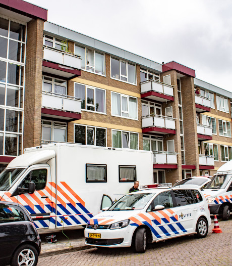 Onderzoek woning dood persoon Leeuwarden nog steeds bezig door verdachte omstandigheden