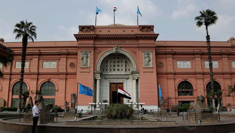 Het teruggevonden beeld is op 28 januari 2011 gestolen uit dit museum op het Tahrirplein in Caïro tijdens de plunderingen. Beeld AP