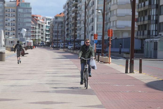 """""""Nu al zijn 21.000 van onze 39.000 woningen van tweedeverblijvers"""", zegt burgemeester Piet De Groote."""
