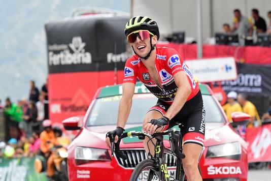 Simon Yates wordt derde in de etappe, maar is wel eindwinnaar van de Vuelta.