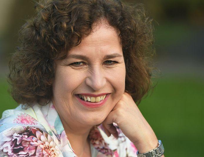 """Esther Stui uit Wissenkerke: ,,Er zat een verhaal in mijn hoofd, het moest er gewoon uit."""""""