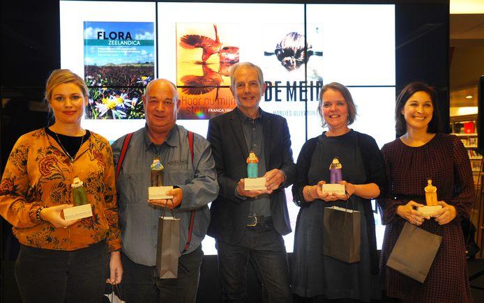 De vijf genomineerden finalisten van de Zeeuwse Boekenprijs 2018: Franca Treur,  Peter L. Meininger, Sander Kooistra, Jeanine Dekker en Marlies Allewijn.